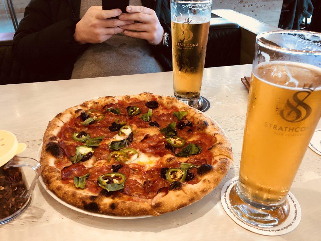 ストラスコナのピザ&ビール