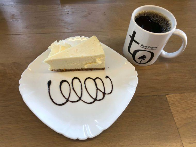 ニューヨークチーズケーキとコーヒー