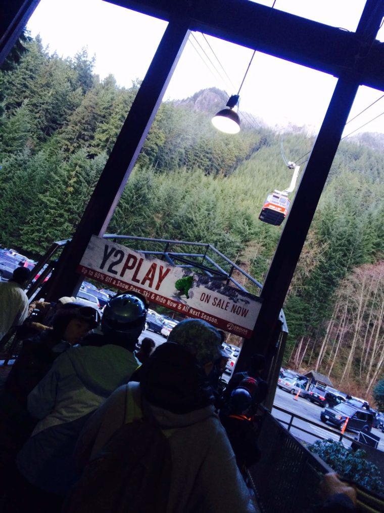 バンクーバーでスノボ スキー場 リフト グラウス