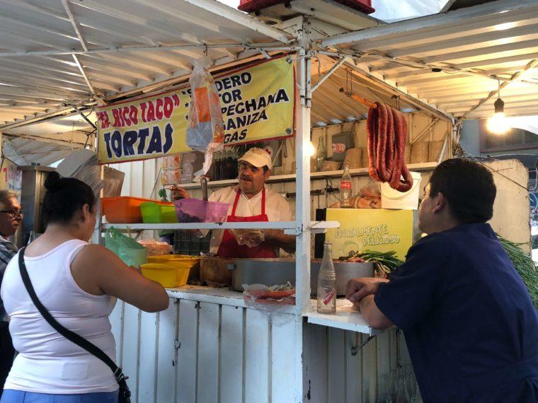 メキシコシティの露店 タコス ローカルグルメ