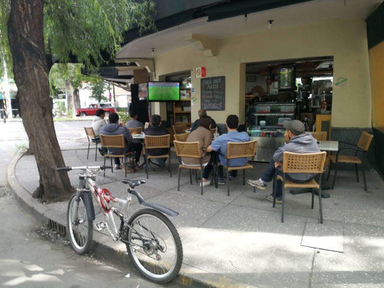 メキシコシティ カフェ ローカル サッカー ワールドカップ