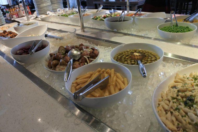 バンクーバーでブラジル料理 リオレストランのサイドディッシュ