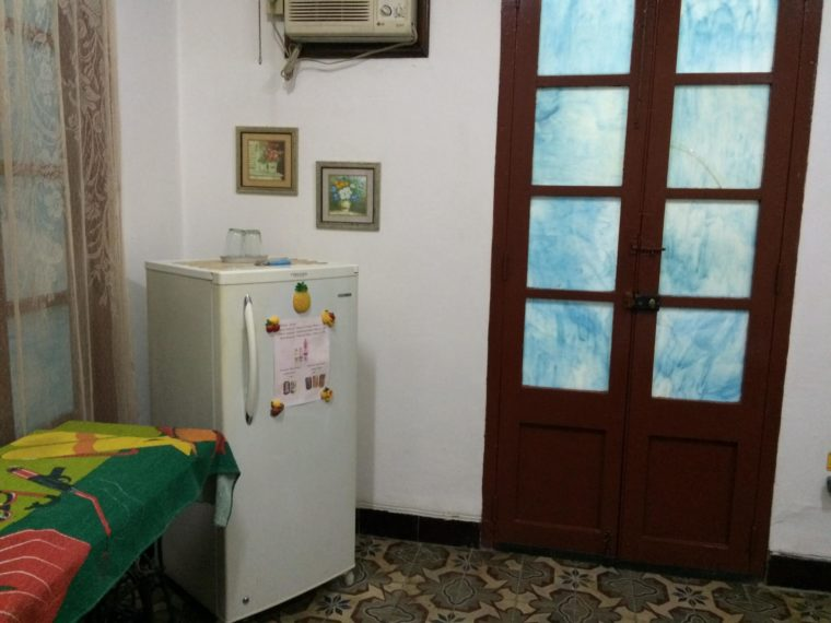 キューバの首都ハバナで泊まった民宿(カサ)のお部屋
