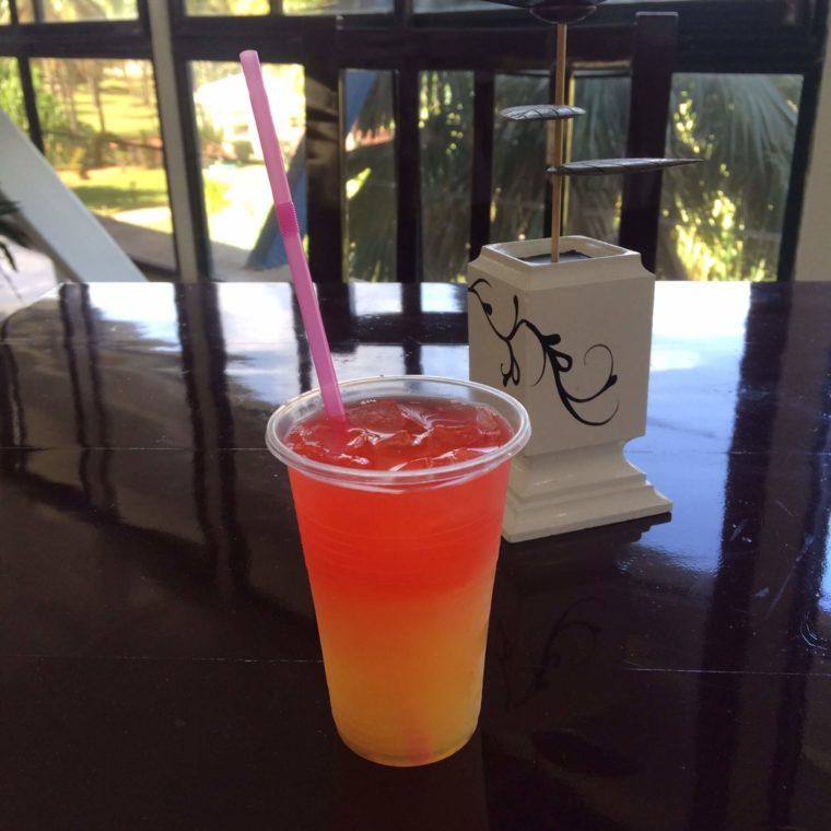 キューバのリゾート地バラデロで飲んだカクテル