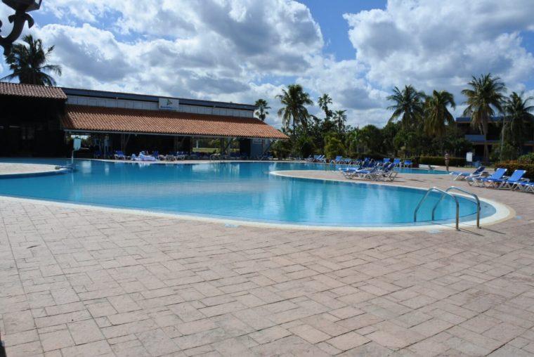 キューバ、バラデロのホテルはプールも使い放題 オールインクルーシブ最高