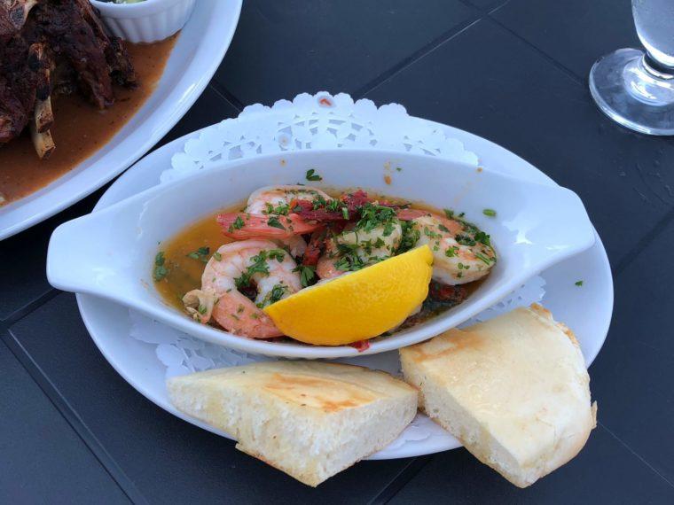 ハリソンホットスプリングのギリシャ料理レストラン ガーリックバターシュリンプ おすすめメニュー