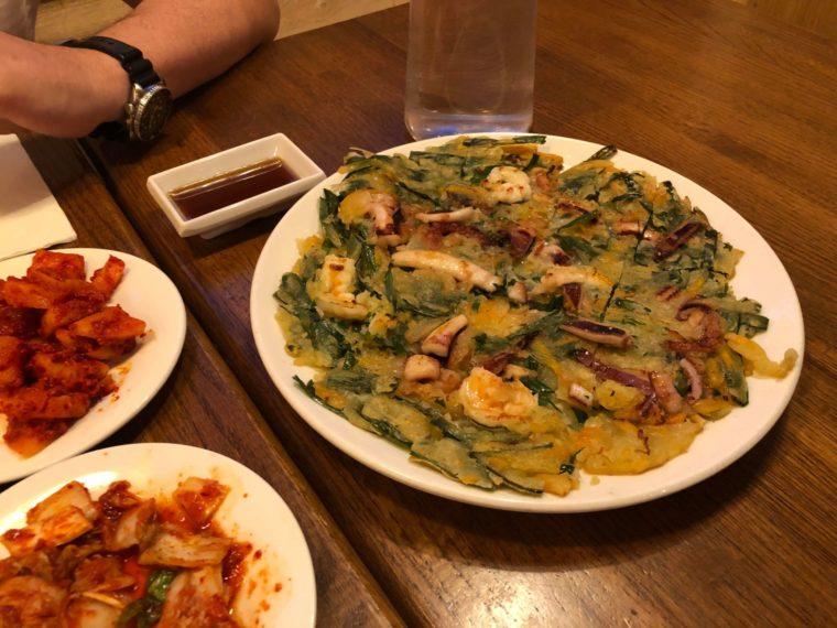 バンクーバーの韓国料理レストランKOSOOの料理ちぢみ